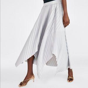 NWT Zara Asymmetrical Pleated Skirt